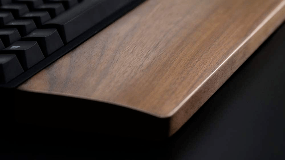 Close-up of the Vaydeer wooden wrist rest, which can be considered one of the best gaming wrist rests.